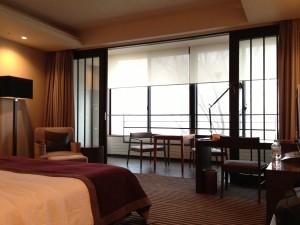 ハイアットリージェンシー箱根のお部屋。広いです。
