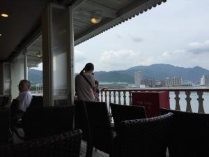 ミシガン3階デッキから琵琶湖を望みます。