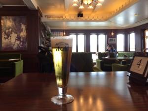 ミシガンのカフェでビール!