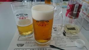 ビールも試飲できます。ビール工場でのビールは本当においしい!