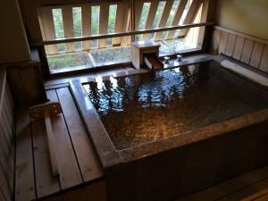別邸笹音の部屋付露天風呂。これが24h入り放題で旅の主目的はこの部屋付露天風呂w