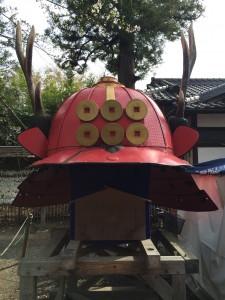 上田城は真田一族のお城としても有名。真田六文銭の前立の赤備え兜。歴史好きにはたまりませんね。