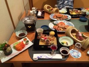 こちらが温泉宿の晩御飯。豪華なお食事に舌鼓。