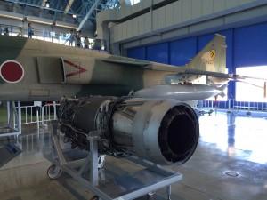 またエンジンw こちらはTF-40エンジン。ロールスロイスのエンジンをIHIがライセンス生産したもの。