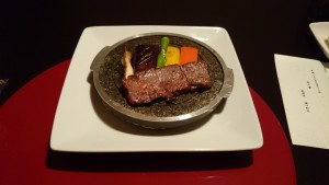 2日目は季節野菜が添えられた溶岩焼きが印象的でした。