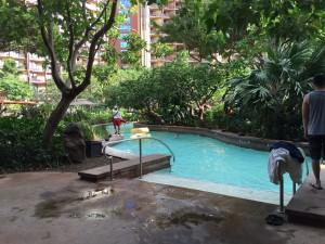 アウラニの流れるプール。1周10分くらいあります。チューブは何カ所かある、流れるプールの入り口に置いてあります。