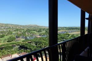 アウラニのアイランド・ガーデン・ビューのバルコニーからの眺望。