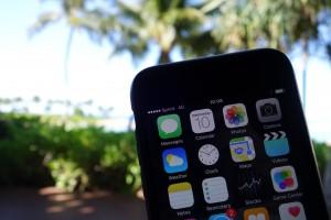 iPhone 6のアメリカ放題でハワイのビーチでもスマホ使い放題!