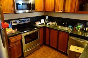 アウラニの2ベッドルーム ヴィラ オーシャン・ビューのキッチン。