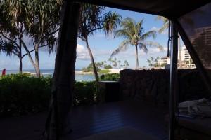 アウラニのカサベラから望むビーチ。喧噪と静寂のちょうどいい位置にカサベラはあります。