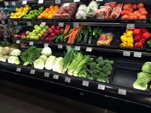 コオリナ ステーション&センターにあるABCストアには食材も売っています。写真にはありませんが、生肉も売ってます。