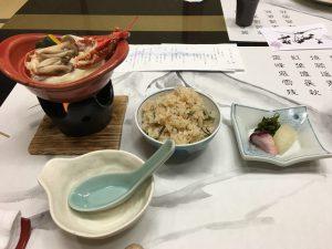 炊き込みご飯と伊勢海老入りほうとう。美味でした。