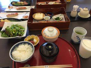 朝食は和食であいた。朝から健康的。