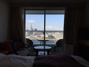 神戸メリケンパークオリエンタルホテル みなとまちViewシーフィルダブルの部屋から望む海。