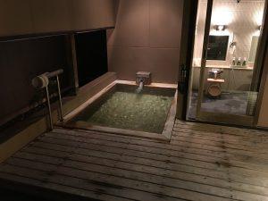 こちらはもう一つの貸切露天風呂「たける」
